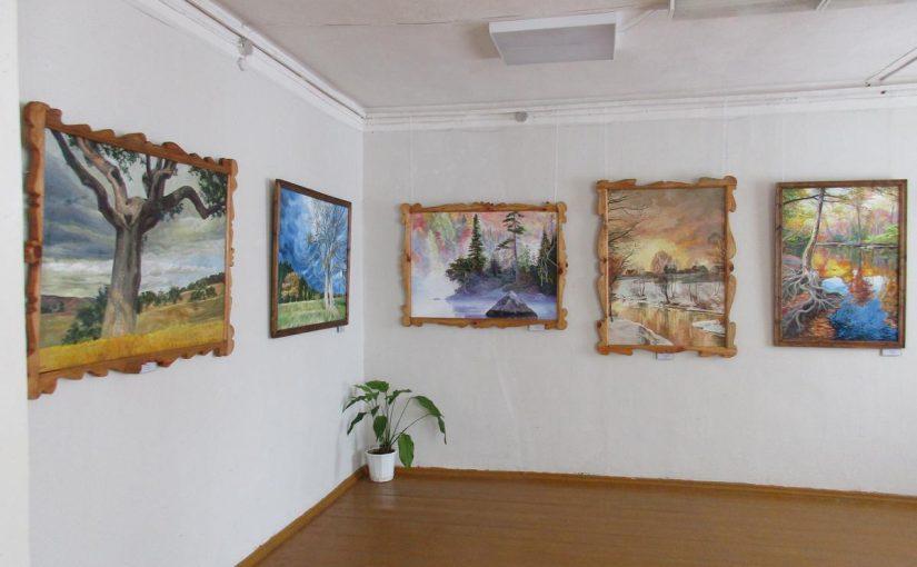 В Кораблинском краеведческом музее с 23 марта по 10 мая работает выставка картин Агеевой Ирины Константиновны